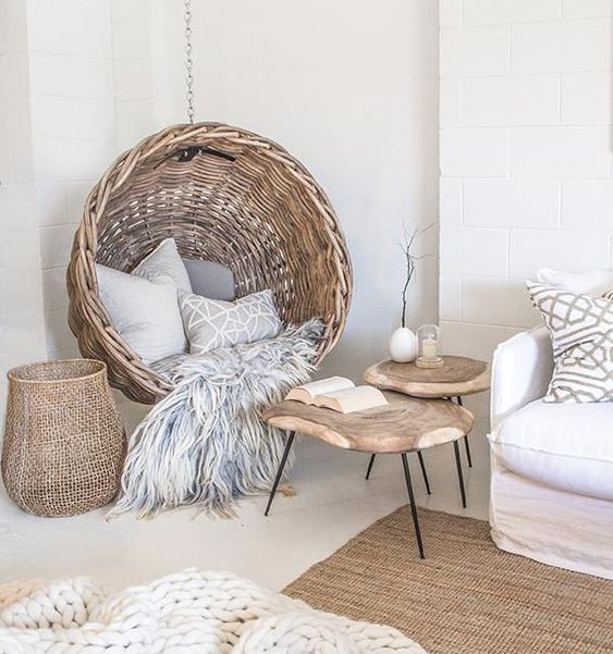 Zulu hanging chair, lifestyle